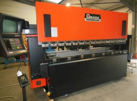 Press brakes AMADA 125 TON X 3100 MM CNC (USED)