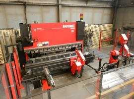 Punch AMADA ASTRO 100T X 3220 CNC ROBOT BENDING CELL (USED)