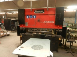 Punch AMADA 80 TON X 2500 MM CNC (USED)